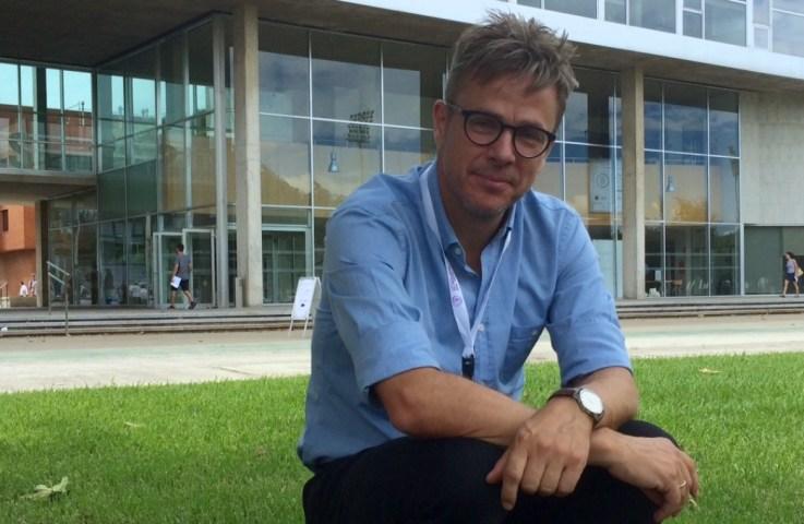 Jesper Wiborg Schneider, fra Dansk Center for Forskningsanalyse på Aarhus Universitet er en af de forksere, der har startet et nyt tidsskrift uden om Elsevier. Det sker i protest mod forlagsgigantens forretningsmodel, der gør det dyrt for forskere at tilgå egne publikationer.